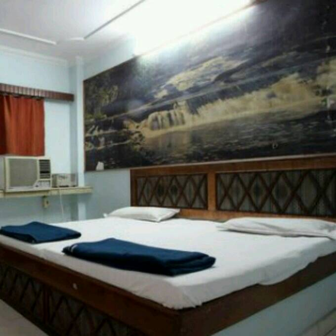 Large Photograph of HOTEL DHARAMLOK AGRA located in Agra