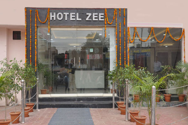 Large Photograph of HOTEL ZEE AGRA located in Agra