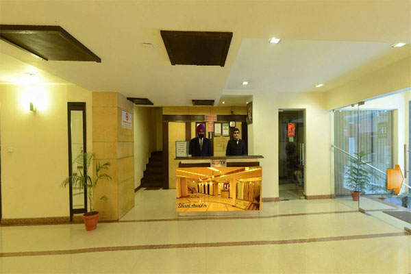 Large Photograph of Hotel Hongkong Inn located in Amritsar