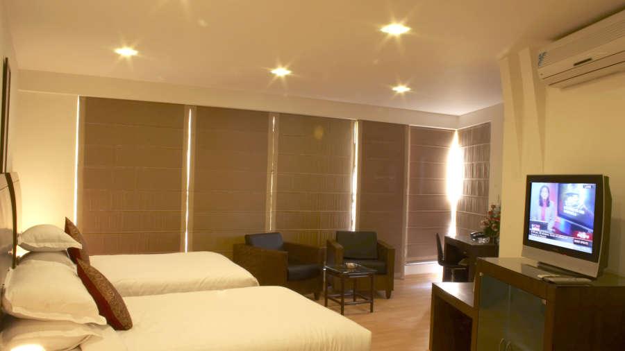 Lobby of SHILTON RESIDENCE HOTEL BANGALORE (BED AND BREAKFAST HOTEL) Hotel Bangalore - Budget Hotels in Bangalore