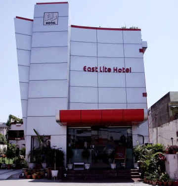 Large Photograph of EASTLITE HOTEL BAREILLY located in Bareilly