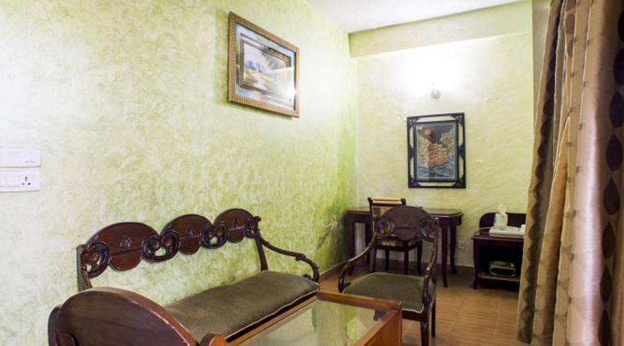 Lobby of TARIKAS JUNGAL RETREAT Hotel Chail - Budget Hotels in Chail
