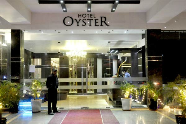 Large Photograph of HOTEL OYSTER located in Chandigarh