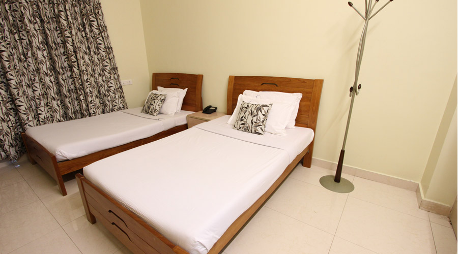 CRESCENT HOME SERVICED APARTMENTS