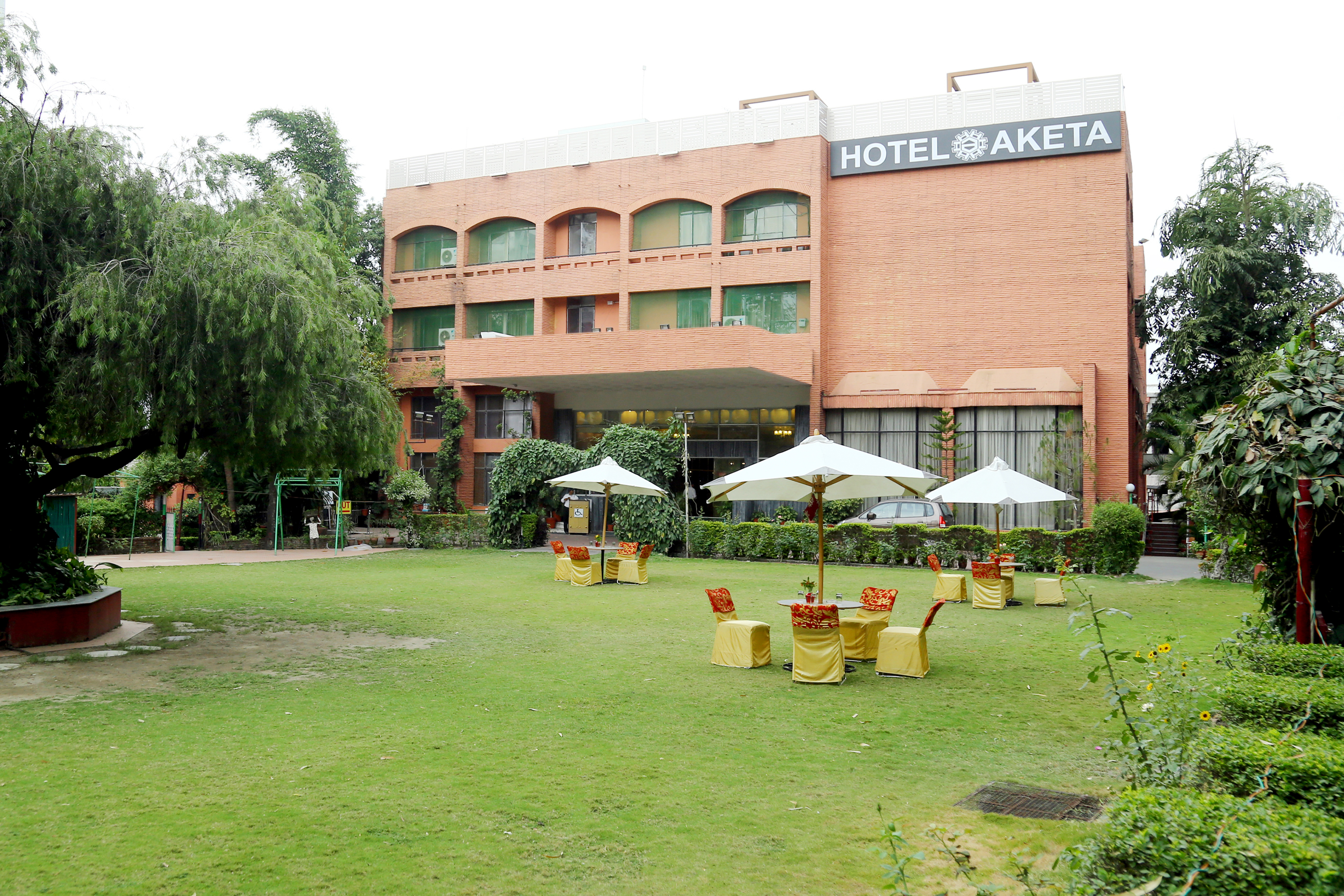 Large Photograph of AKETA HOTEL DEHRADUN located in Dehradun