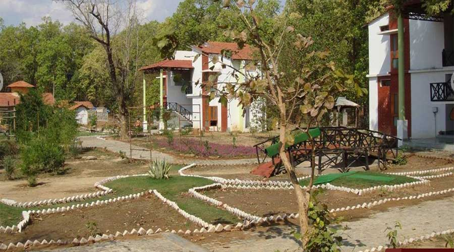 Large Photograph of HOTEL MEADOWS RETREAT KANHA located in Kanha