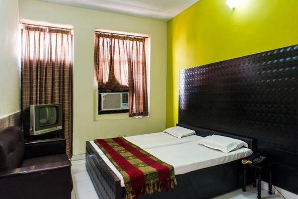 Lobby of Gaurav Boarding House Mathura Hotel Mathura - Budget Hotels in Mathura