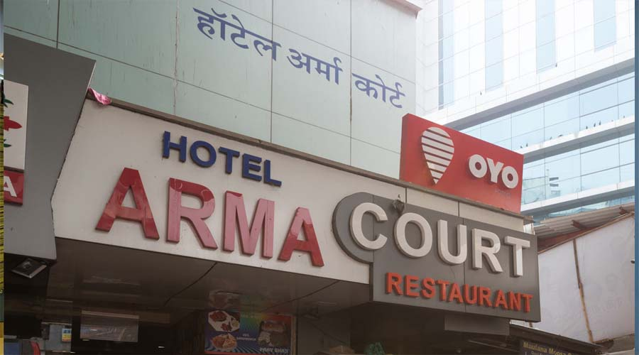 Large Photograph of Hotel Arma Court Mumbai located in Mumbai