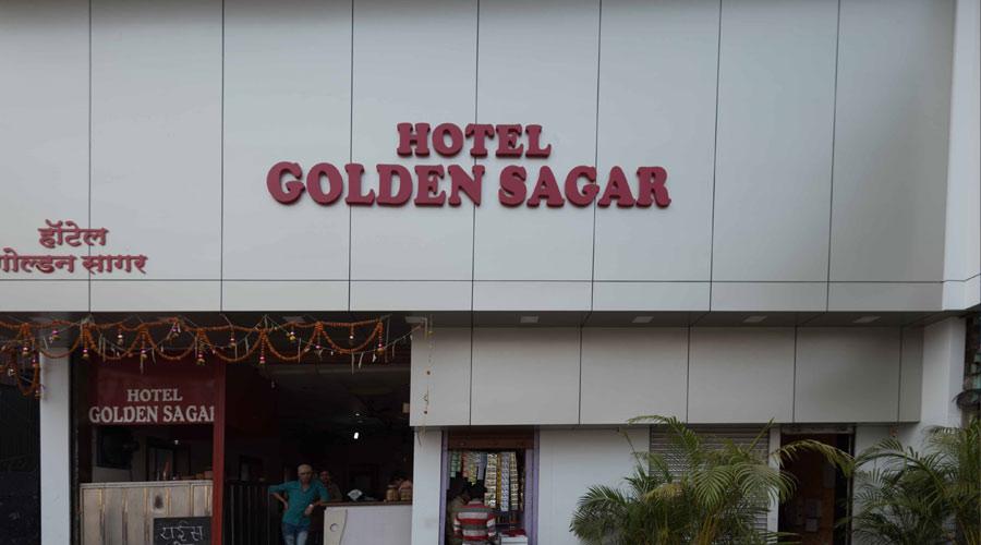 Large Photograph of HOTEL ARMA (GOLDEN SAGAR) located in Mumbai