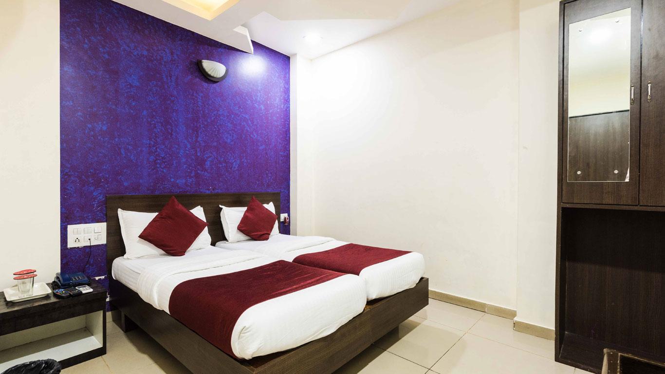 Lobby of Hotel Arma (golden Sagar) Hotel Mumbai - Budget Hotels in Mumbai
