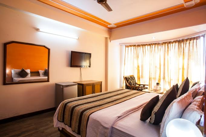 Lobby of Hotel Mall Palace Hotel Mussoorie - Budget Hotels in Mussoorie