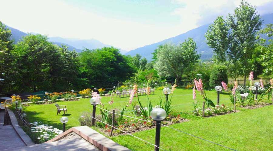 Lobby of FOREST HILL RESORTS Hotel Pahalgam - Budget Hotels in Pahalgam