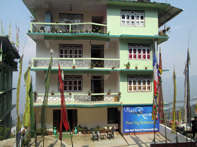 Large Photograph of HOTEL SNOW VIEW PELLING located in Pelling