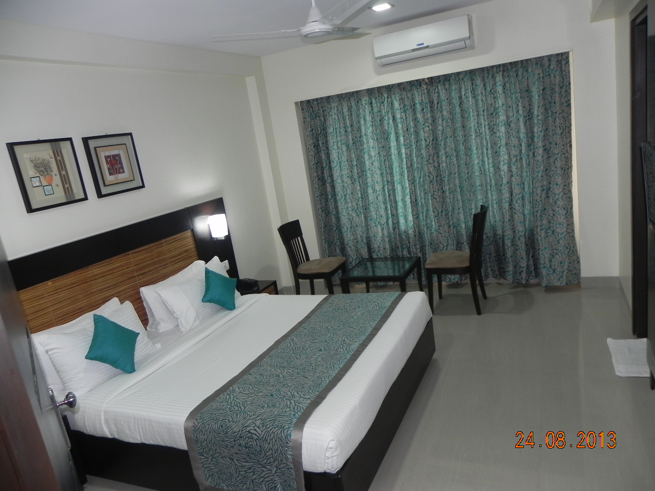 Lobby of HOTEL REEVA SUITES Hotel Shirdi - Budget Hotels in Shirdi