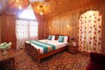 NEW LUCKY STAR GROUP OF HOUSEBOATS Srinagar thumbnail photographs