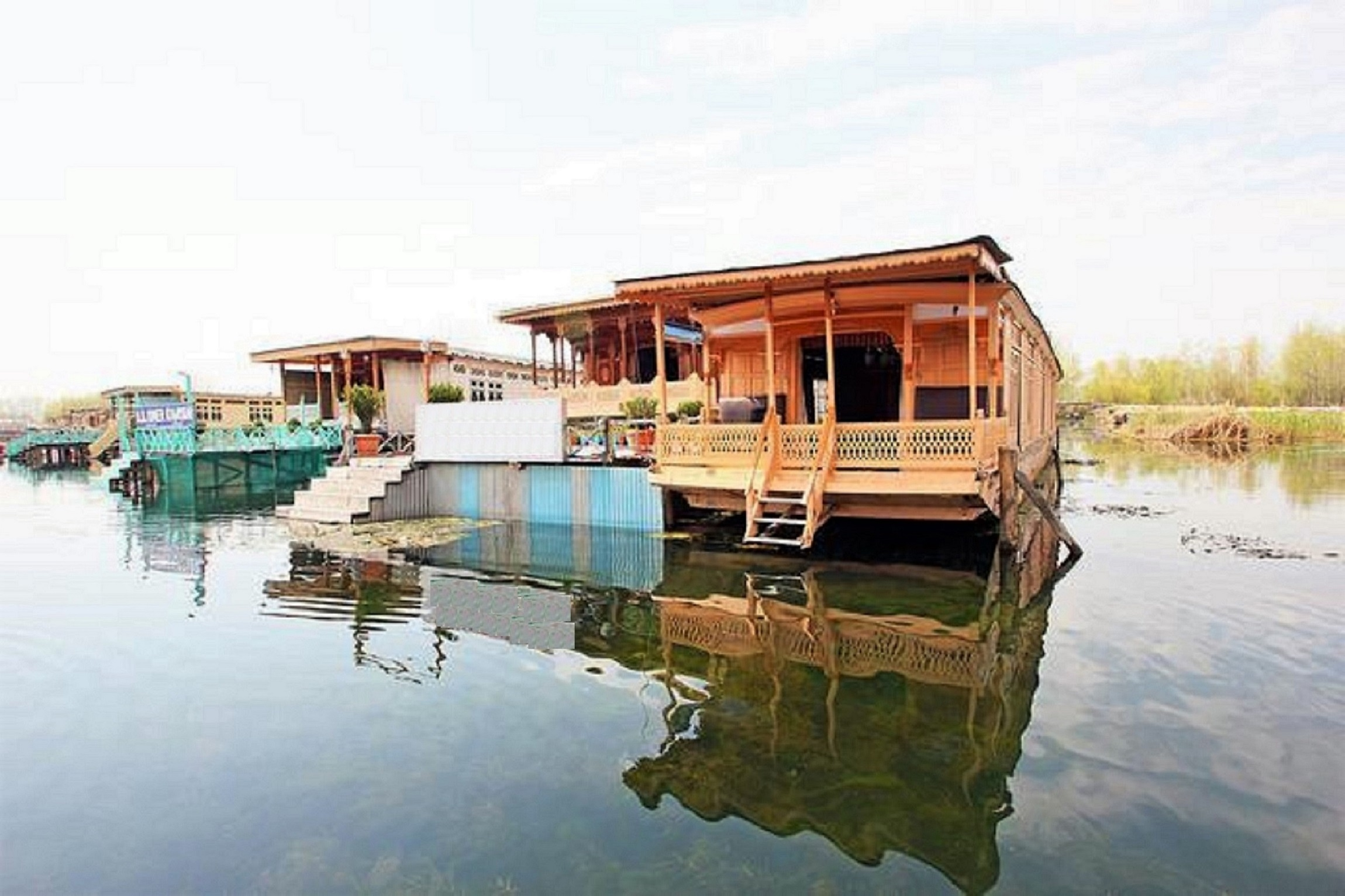 Large Photograph of Babar Houseboats located in Srinagar