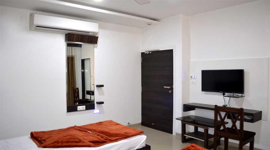 HOTEL PLANET VADODARA