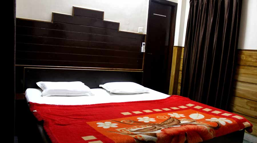 Double AC Room, HOTEL AJAY INTERNATIONAL - Budget Hotels in Agra