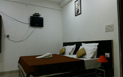 Super Deluxe Room, HOTEL SAFARI AGRA - Budget Hotels in Agra