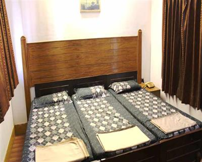 Standard Tripple Bed Non AC, HOTEL AJAY INTERNATIONAL - Budget Hotels in Agra