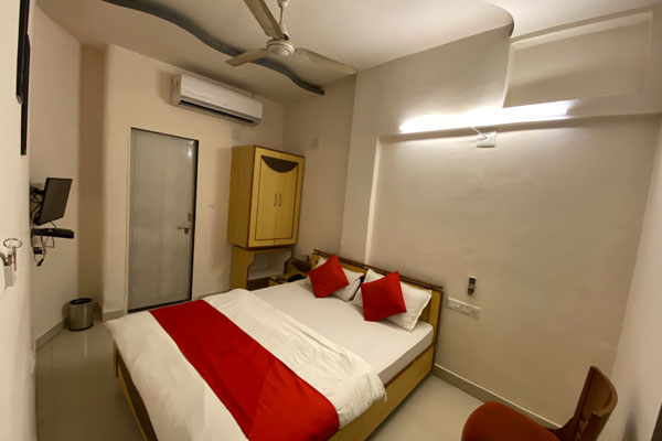 Economy Room, Hotel Riverfront - Budget Hotels in Ahmedabad