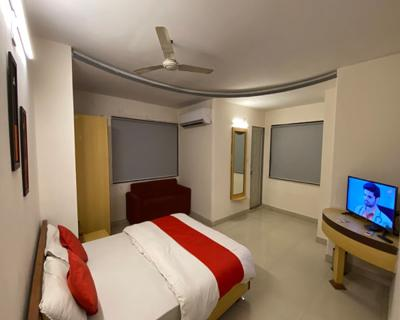 Super Deluxe Room, HOTEL RIVERFRONT AHMEDABAD - Budget Hotels in Ahmedabad