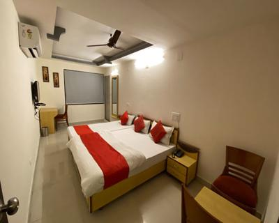 Triple Bed Room, HOTEL RIVERFRONT AHMEDABAD - Budget Hotels in Ahmedabad