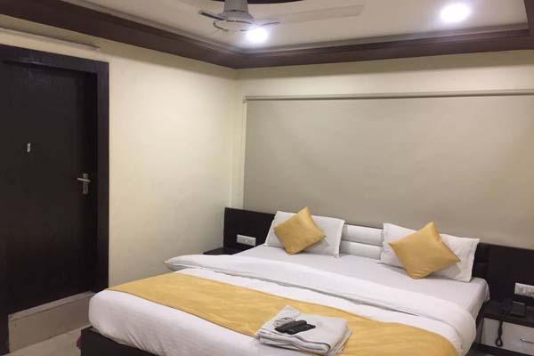 Standard AC Room, HOTEL SADBHAV AHEMDABAD - Budget Hotels in Ahmedabad