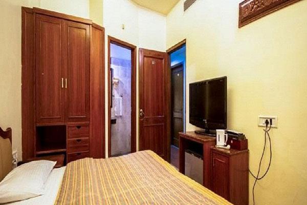 Luxury Room,                                     HOTEL INDUS AMRITSAR - Budget Hotels in Amritsar
