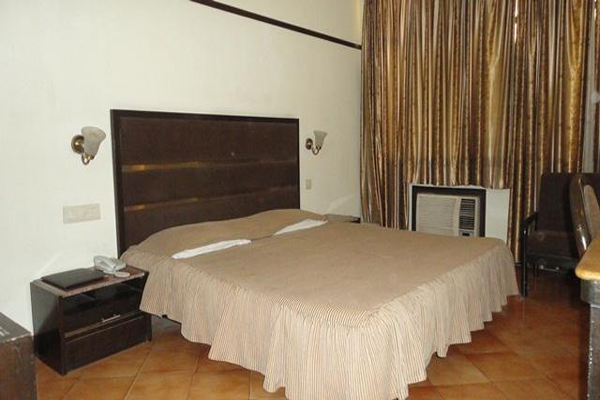 Deluxe Room on CP, HOTEL SOUTHEND - Budget Hotels in Chandigarh