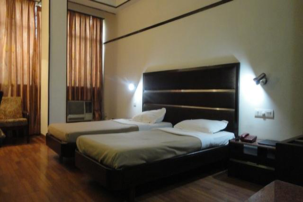 Family Suite Room on CP, HOTEL SOUTHEND - Budget Hotels in Chandigarh