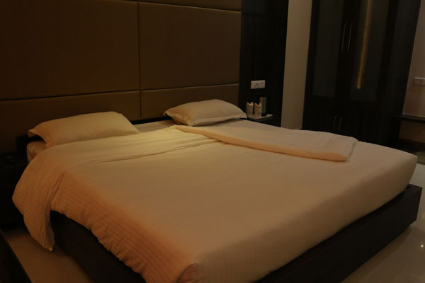 Deluxe Room, HOTEL GOLDEN FORTUNE AZAMGARH - Budget Hotels in Azamgarh