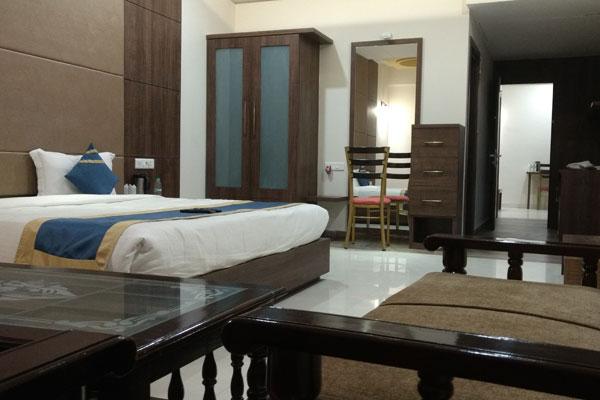 Suite Room, HOTEL GOLDEN FORTUNE AZAMGARH - Budget Hotels in Azamgarh