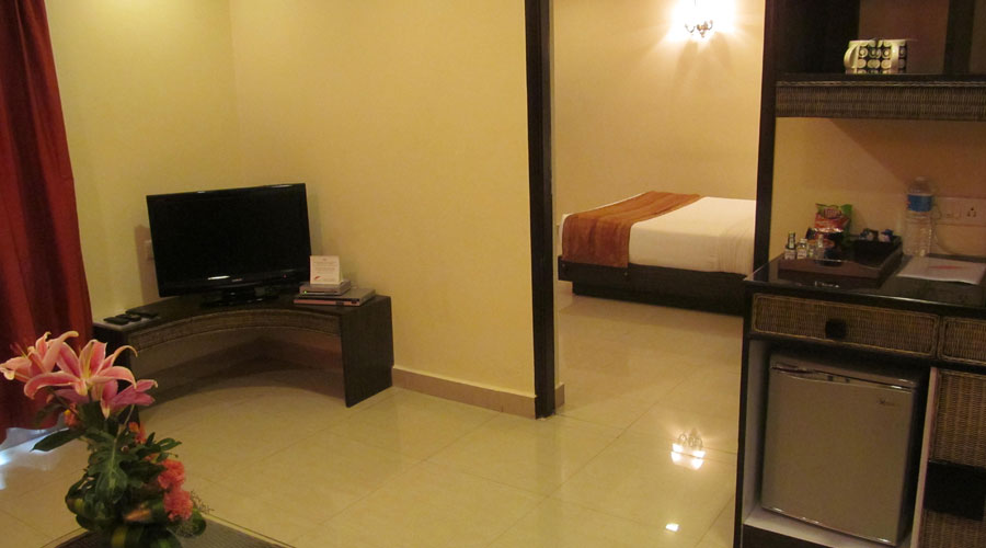 Luxury Suite Room, SHILTON ROYALE HOTEL BANGALORE (BUSINESS HOTEL) - Budget Hotels in Bangalore