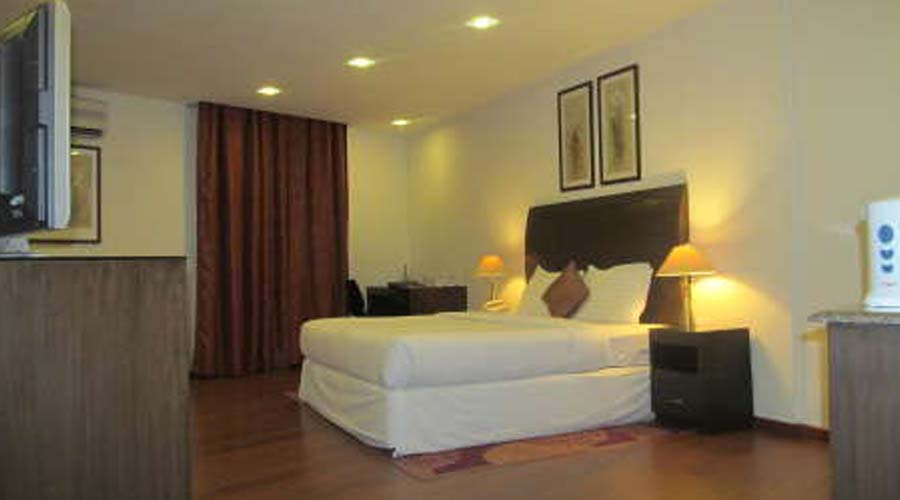 Luxury Suite Room, SHILTON RESIDENCE HOTEL BANGALORE (BED AND BREAKFAST HOTEL) - Budget Hotels in Bangalore