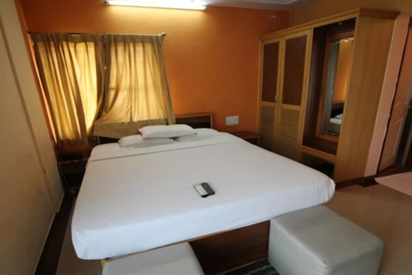 Non AC Double Room, Hotel Diamond Paradise - Budget Hotels in Bangalore