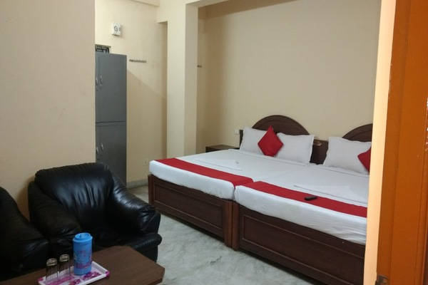 4 Bed Non AC Room, Hotel Diamond Paradise - Budget Hotels in Bangalore