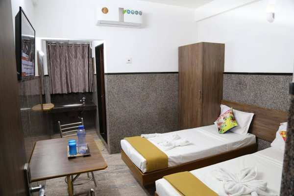4 Bed AC Room, Hotel Diamond Paradise - Budget Hotels in Bangalore