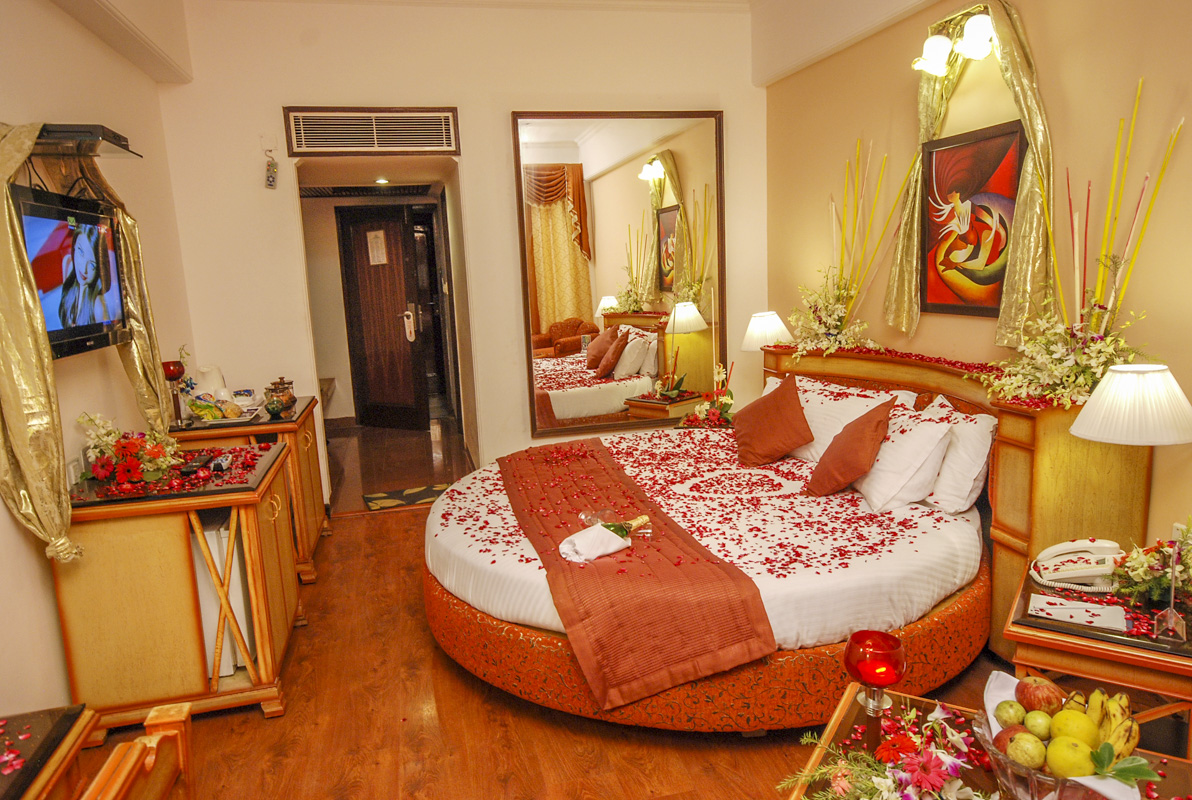 Information Of Sun Park Resort Chandigarh Honeymoon Room