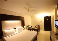 Deluxe Room, CRESCENT CREST - Budget Hotels in Chennai