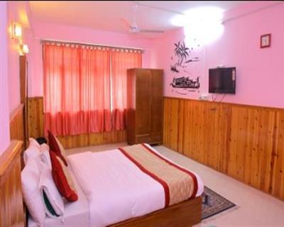 Super Deluxe Room, Hotel Sagorika - Gangtok - Budget Hotels in Gangtok