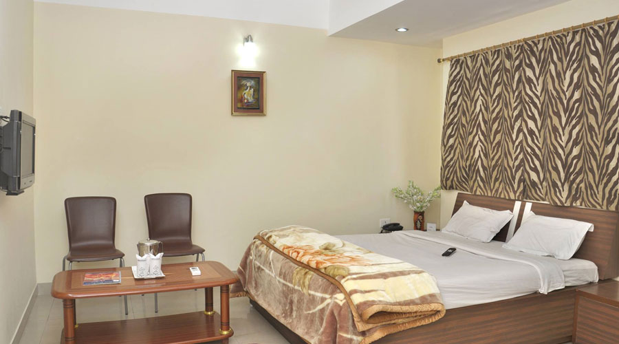 Deluxe AC Room, HOTEL CITY PALACE GUWAHATI - Budget Hotels in Guwahati