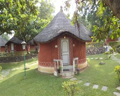 Garden View Non AC Cottage - CP, KISHKINDA HERITAGE RESORT - Budget Hotels in Hampi