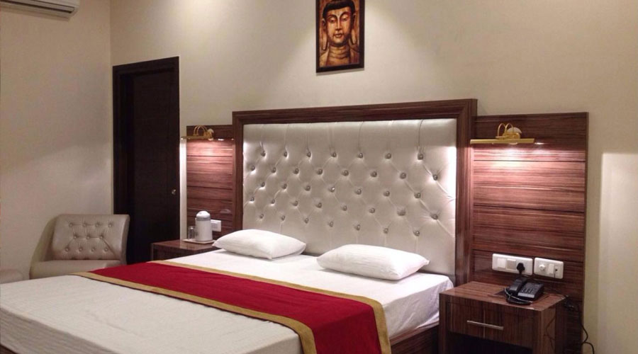 Super Deluxe Room, HOTEL MAHARAJA PALACE HOSHIARPUR - Budget Hotels in Hoshiarpur