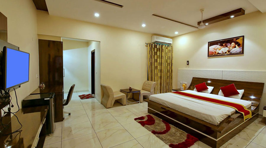 Maharaja Suite Room, HOTEL MAHARAJA PALACE HOSHIARPUR - Budget Hotels in Hoshiarpur