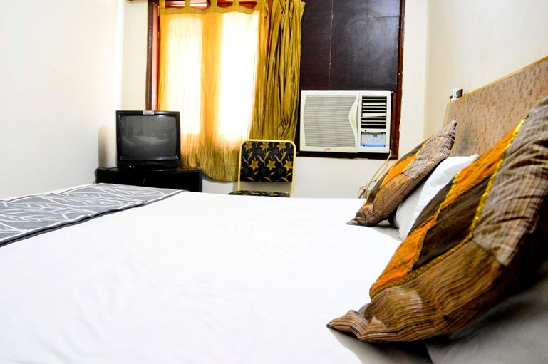 Deluxe AC Room, HOTEL NEW RAMA INN  INDORE - Budget Hotels in Indore