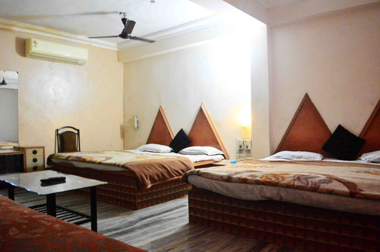 Family 4 Bed AC Room, HOTEL NEW RAMA INN  INDORE - Budget Hotels in Indore
