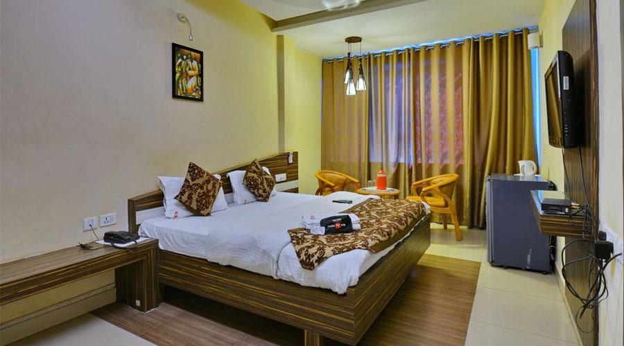 Deluxe Room, HOTEL SWAYAM JABALPUR - Budget Hotels in Jabalpur
