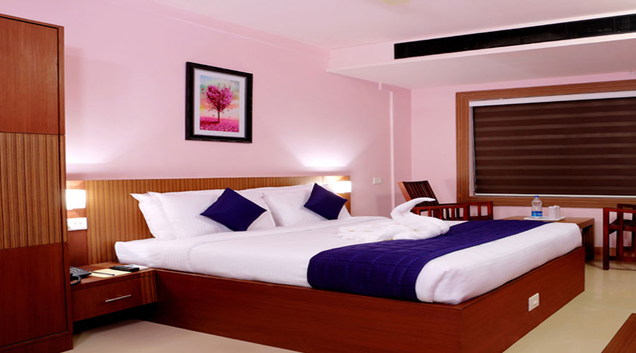Deluxe Room, PARCO RESIDENCY THALASSERY - Budget Hotels in Kannur