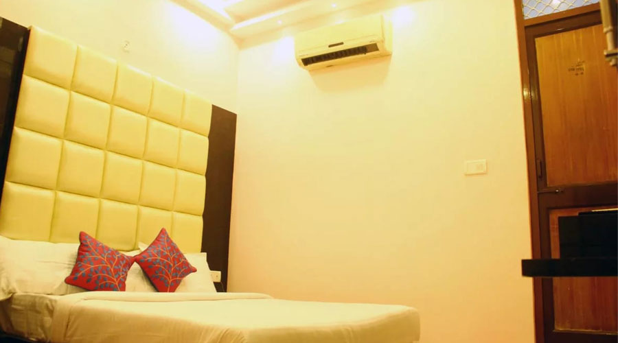 Deluxe AC Room,                                     HOTEL SATYAM AND RESTAURANT KANPUR - Budget Hotels in Kanpur
